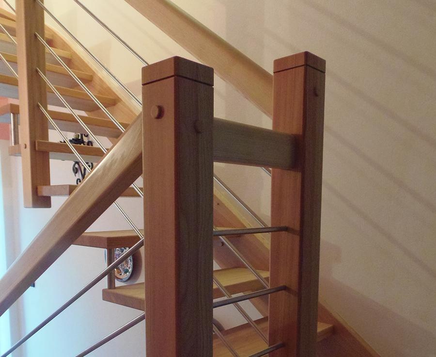 Scaletta In Legno Antica : Scala di legno della costruzione cinese antica dell abitazione