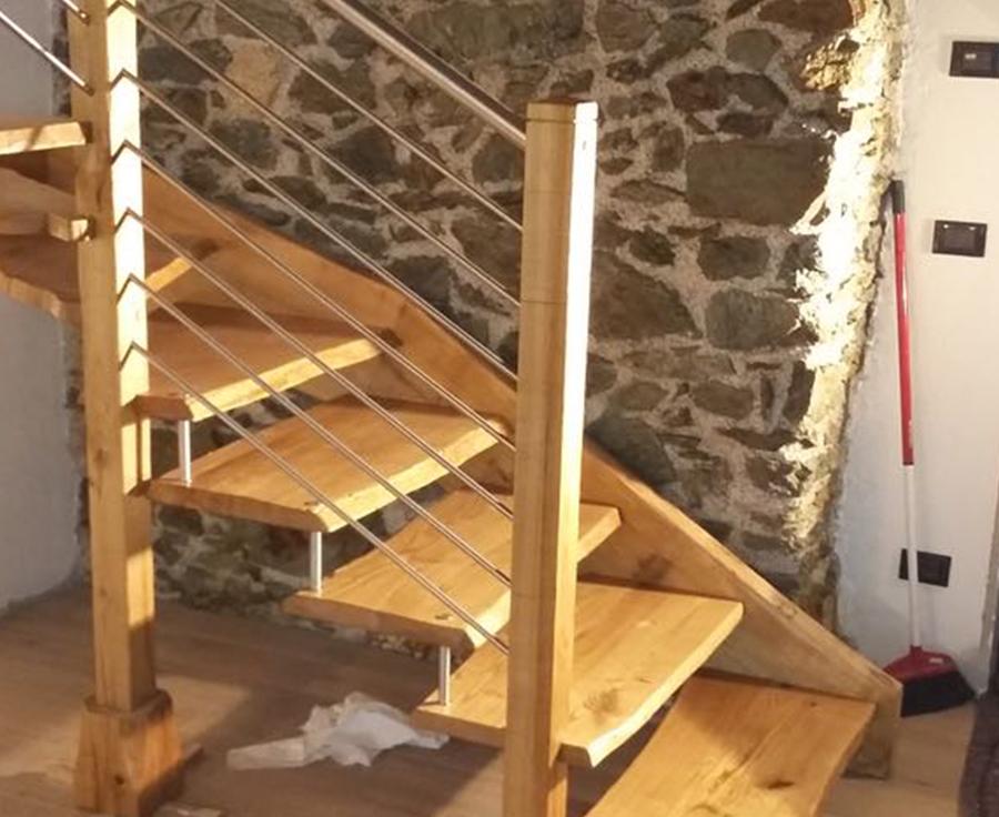 Scaletta In Legno Antica : Scaletta in legno antica produzione scale a sondrio legno interni